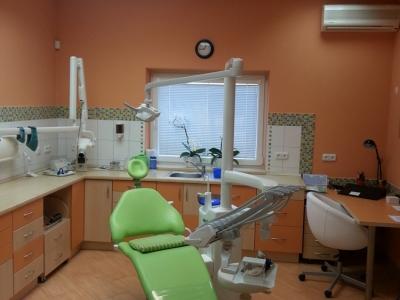 Zdravotní sestra / zubní instrumentářka
