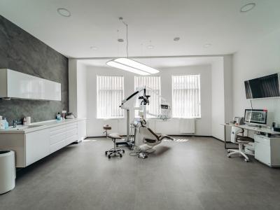 Zubní lékařka - lékař