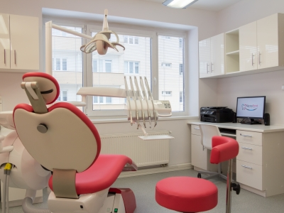 Zubní instrumentářka / zdravotní sestra