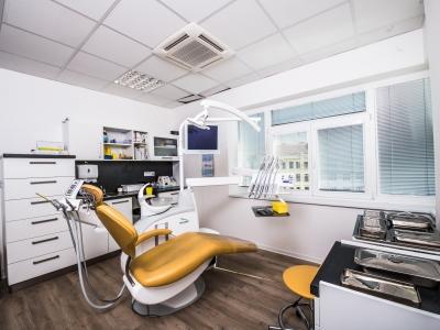 Zdravotní sestra nebo zubní instrumentářka v Brně